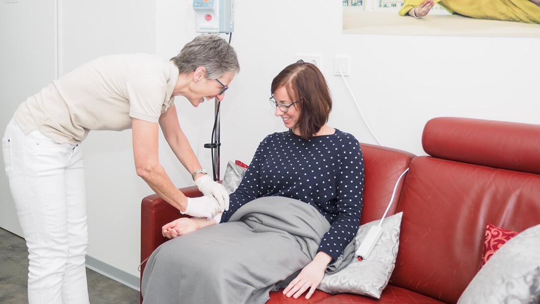 Frauenarzt-Voelklingen-Wagner-Hefti-Siebenborn-Zwank-Koebnick-Behandlungszimmer-d